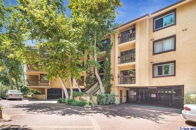 Glendale Condo/Townhouse Active Under Contract: 3481 Stancrest Drive #129
