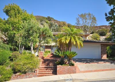 Glendale Single Family Home For Sale: 1150 Avonoak Terrace