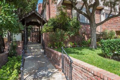 Pasadena Condo/Townhouse For Sale: 427 South El Molino Avenue #4