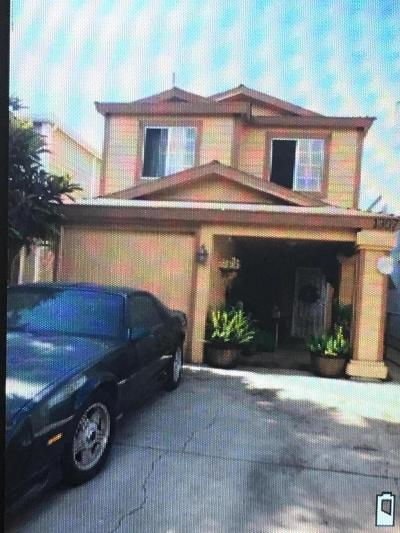 Los Angeles Single Family Home For Sale: 1307 East 100th Street
