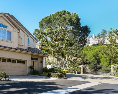 Westlake Village Condo/Townhouse For Sale: 32209 Breezeport Drive