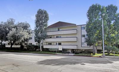 Pasadena Condo/Townhouse Active Under Contract: 2386 East Del Mar Boulevard #110