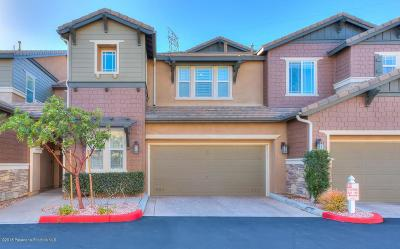 Sylmar Condo/Townhouse For Sale: 16479 West Nicklaus Drive #123