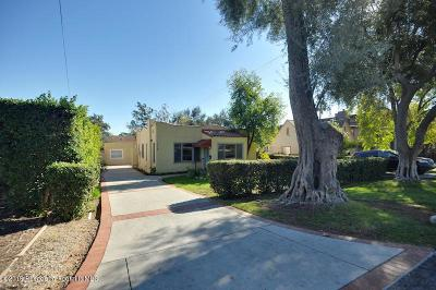 Pasadena Single Family Home Active Under Contract: 1558 Pepper Drive