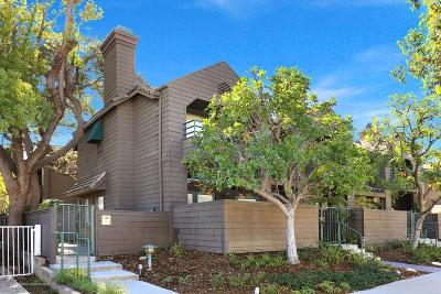 Pasadena Condo/Townhouse Active Under Contract: 778 East California Boulevard #2