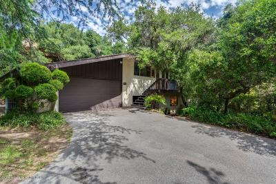 Pasadena Single Family Home For Sale: 1052 Pine Oak Lane