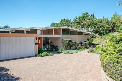 La Crescenta Single Family Home Active Under Contract: 2732 Willowhaven Drive