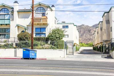 Sylmar Condo/Townhouse For Sale: 14325 Foothill Boulevard #31