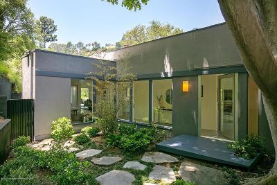La Canada Flintridge Single Family Home For Sale: 3873 Hampstead Road