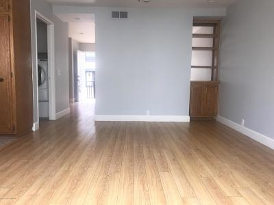 Sylmar Condo/Townhouse For Sale: 11300 Foothill Boulevard #15
