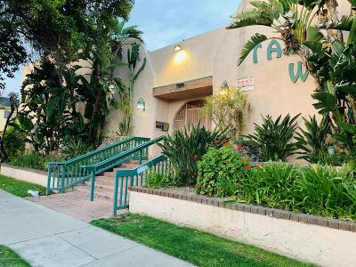 Panorama City Condo/Townhouse Active Under Contract: 7924 Woodman Avenue #62