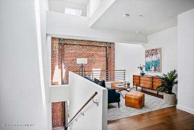 Los Angeles Condo/Townhouse For Sale