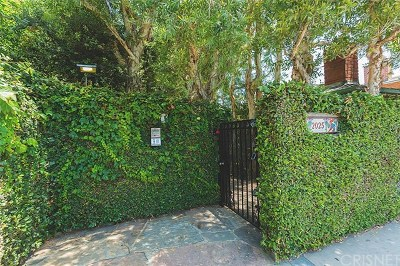 Santa Monica Condo/Townhouse Sold: 2025 Cloverfield Boulevard #B