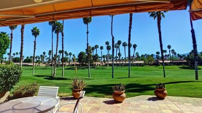 Palm Desert Condo/Townhouse For Sale: 76559 Begonia Lane