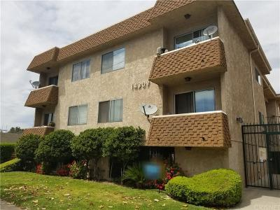 Condo/Townhouse Closed: 14307 Roscoe Boulevard #205