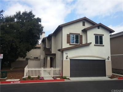 Newhall Single Family Home For Sale: 22779 Walnut Park Lane