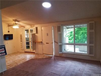 Newhall CA Condo/Townhouse Closed: $225,000