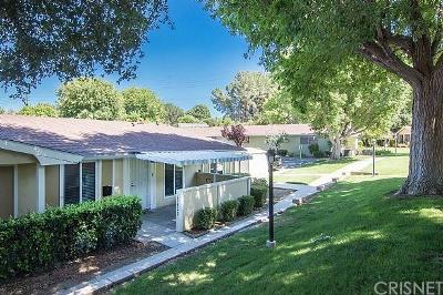 Los Angeles County Condo/Townhouse For Sale: 19202 Avenue Of The Oaks #C