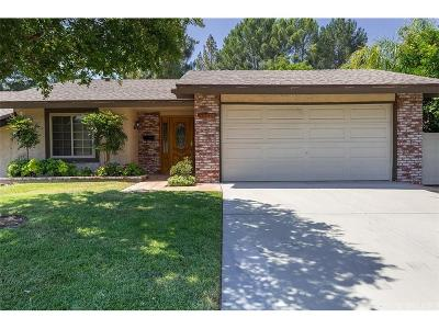 Newhall Condo/Townhouse For Sale: 26376 Oak Plain Drive