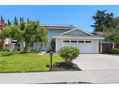 Valencia Single Family Home For Sale: 23696 Via Lupona