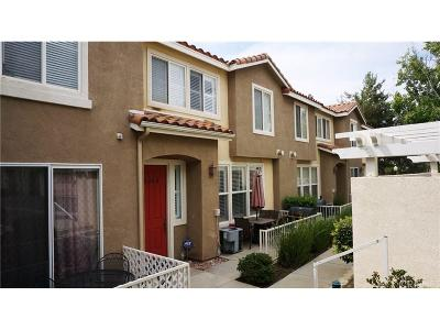 Canyon Country Condo/Townhouse For Sale: 18006 Flynn Drive #6404