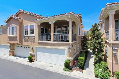 Simi Valley Condo/Townhouse For Sale: 2987 Campa Way #G