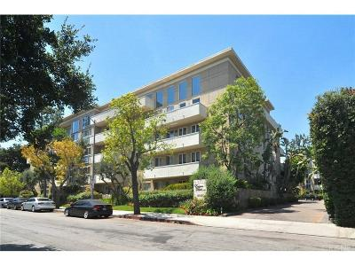Encino Condo/Townhouse For Sale: 4949 Genesta Avenue #210
