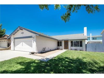 Saugus Single Family Home For Sale: 21609 Nutmeg Lane