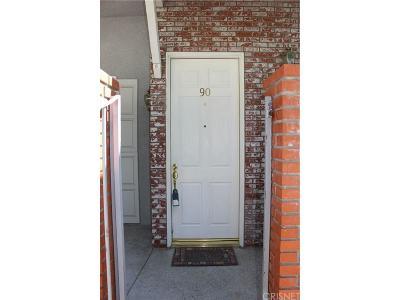 Chatsworth Condo/Townhouse For Sale: 10201 Mason Avenue #90