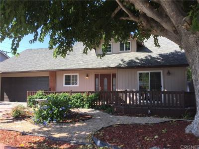 Saugus Single Family Home For Sale: 27909 Newbird Drive