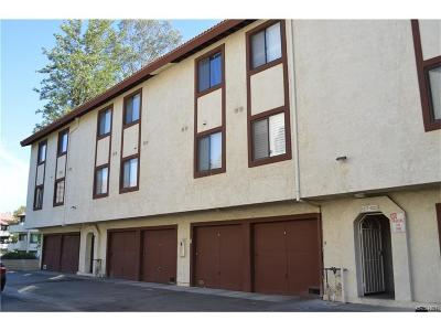 Canyon Country Condo/Townhouse For Sale: 18182 Sundowner Way #1028