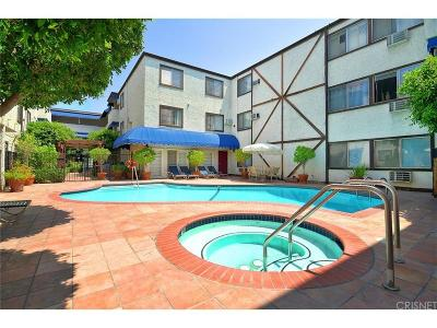 Tarzana Condo/Townhouse For Sale: 18530 Hatteras Street #217