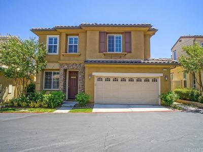 Newhall Condo/Townhouse For Sale: 26008 Nirvana Lane