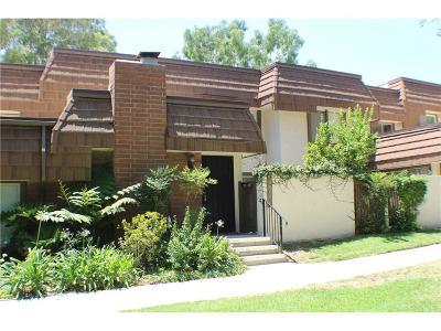 Chatsworth Condo/Townhouse For Sale: 10044 Larwin Avenue #4