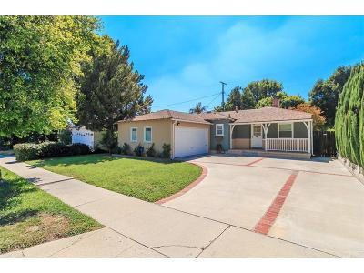 Northridge Single Family Home For Sale: 8939 Yolanda Avenue
