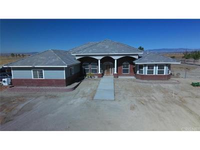Rosamond Single Family Home For Sale: 1527 La Linda Lane