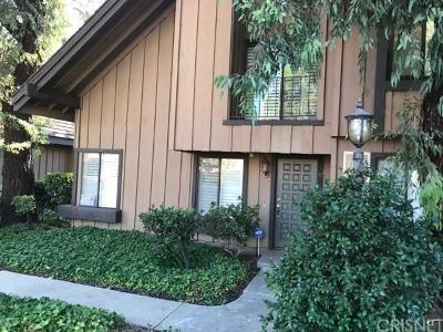 Northridge Condo/Townhouse For Sale: 9761 Reseda Boulevard #73