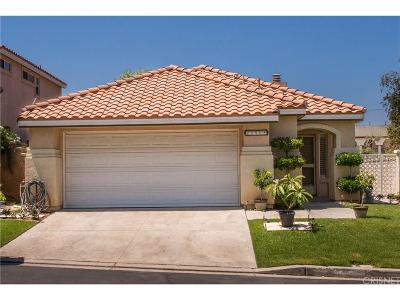 Newhall Single Family Home For Sale: 25908 Santa Susana Drive