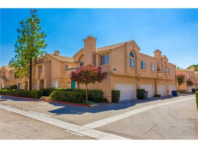 Newhall Condo/Townhouse For Sale: 18844 Vista Del Canon #F
