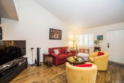 Tarzana Condo/Townhouse For Sale: 18120 Oxnard Street #75