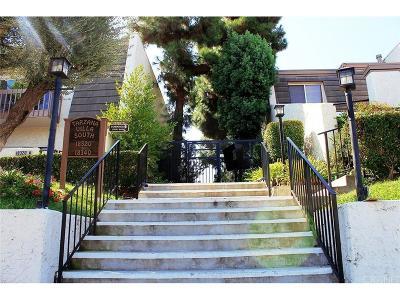 Tarzana Condo/Townhouse For Sale: 18326 Collins Street #H