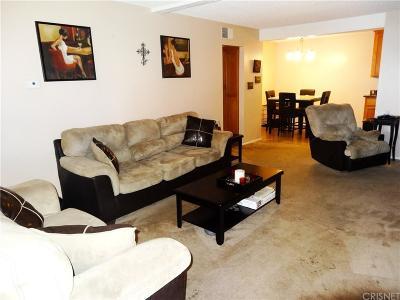 Lancaster Condo/Townhouse For Sale: 2040 West Avenue J13 #17