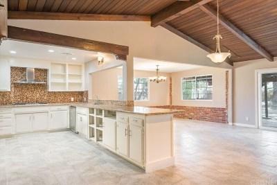 Lancaster Single Family Home For Sale: 43900 Fabrik Avenue