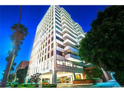 Los Angeles Condo/Townhouse For Sale: 7135 Hollywood Boulevard #804
