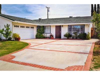 Canyon Country Single Family Home For Sale: 27918 Tenda Drive