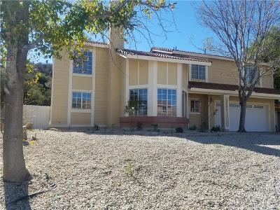 Canyon Country Single Family Home For Sale: 15240 Oleander Court