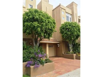 Studio City Condo/Townhouse For Sale: 12633 Moorpark Street #112