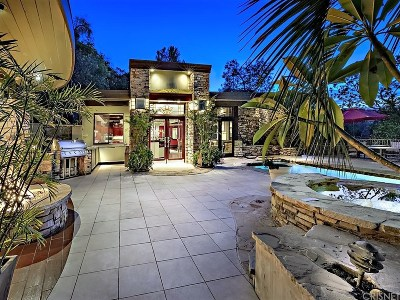 Sherman Oaks Single Family Home For Sale: 14750 Round Valley Drive