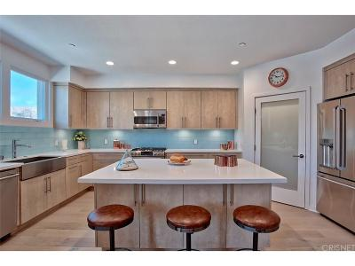 Studio City Condo/Townhouse For Sale: 4240 Laurel Canyon Boulevard #202