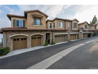 Chatsworth Condo/Townhouse For Sale: 21956 Cortina Place